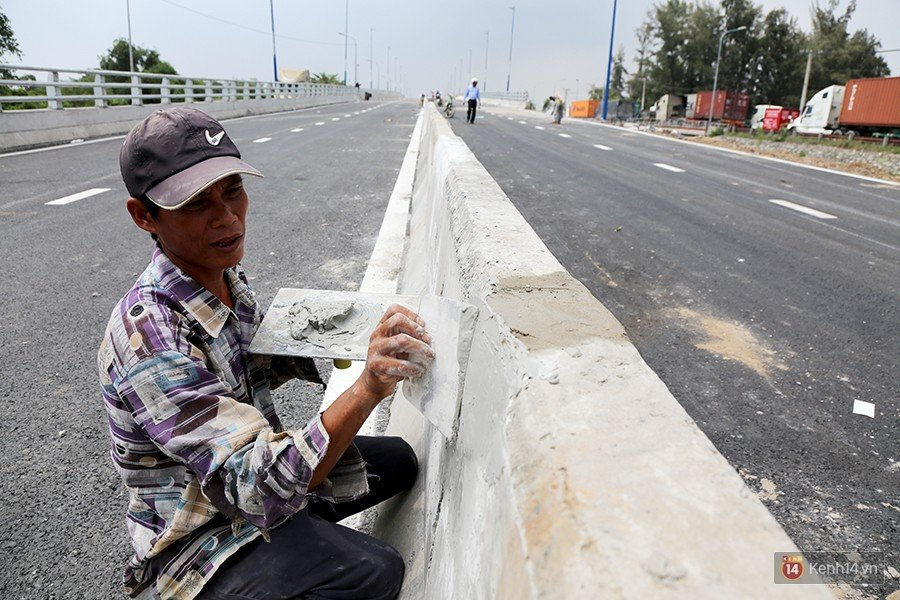 Chùm ảnh cầu vượt hơn 200 tỷ đồng trước giờ thông xe, cửa ngõ cảng biển lớn nhất Sài Gòn được 'giải cứu' 13