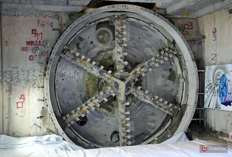 Đường hầm thứ 2 của Metro trong lòng trung tâm Sài Gòn đã hoàn thành, chuẩn bị lắp đường ray 1