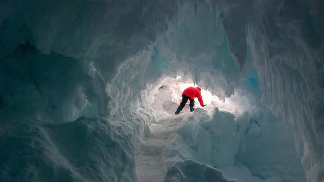 Thám hiểm hang băng ở độ cao gần 4000m: Phát hiện sinh vật lạ, khoa học chưa từng biết - Ảnh 8.