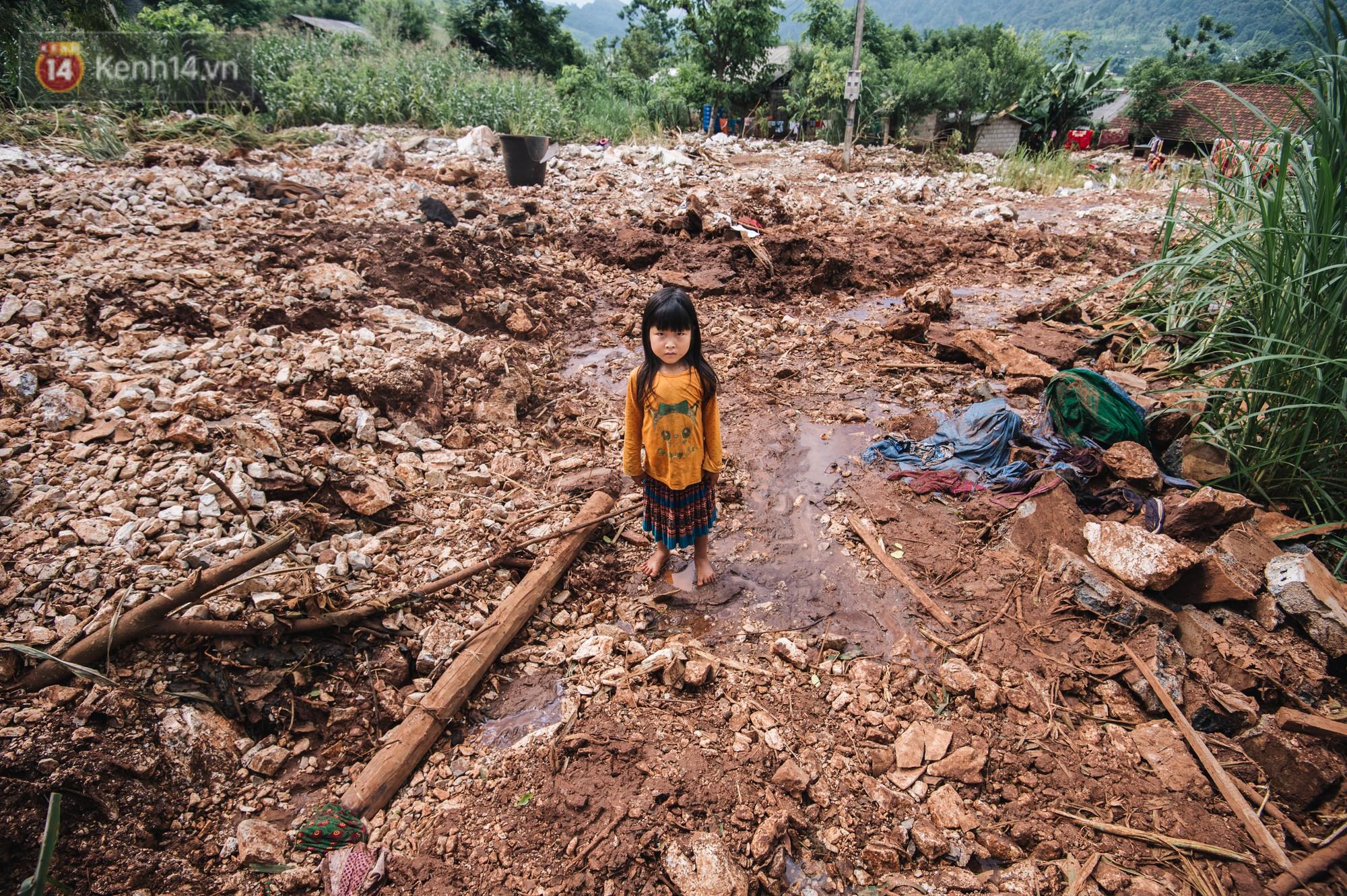 Trận lũ đau thương ở Hà Giang trong vòng 10 năm qua: 'Giờ đâu còn nhà nữa, mất hết, lũ cuốn trôi hết rồi...' 6