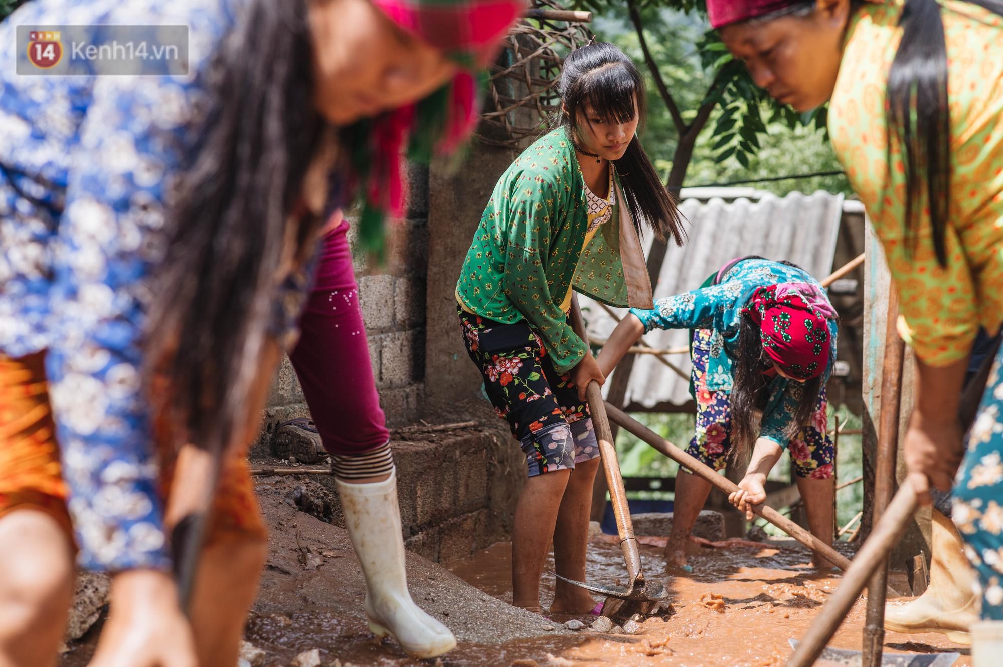 Trận lũ đau thương ở Hà Giang trong vòng 10 năm qua: 'Giờ đâu còn nhà nữa, mất hết, lũ cuốn trôi hết rồi...' 14
