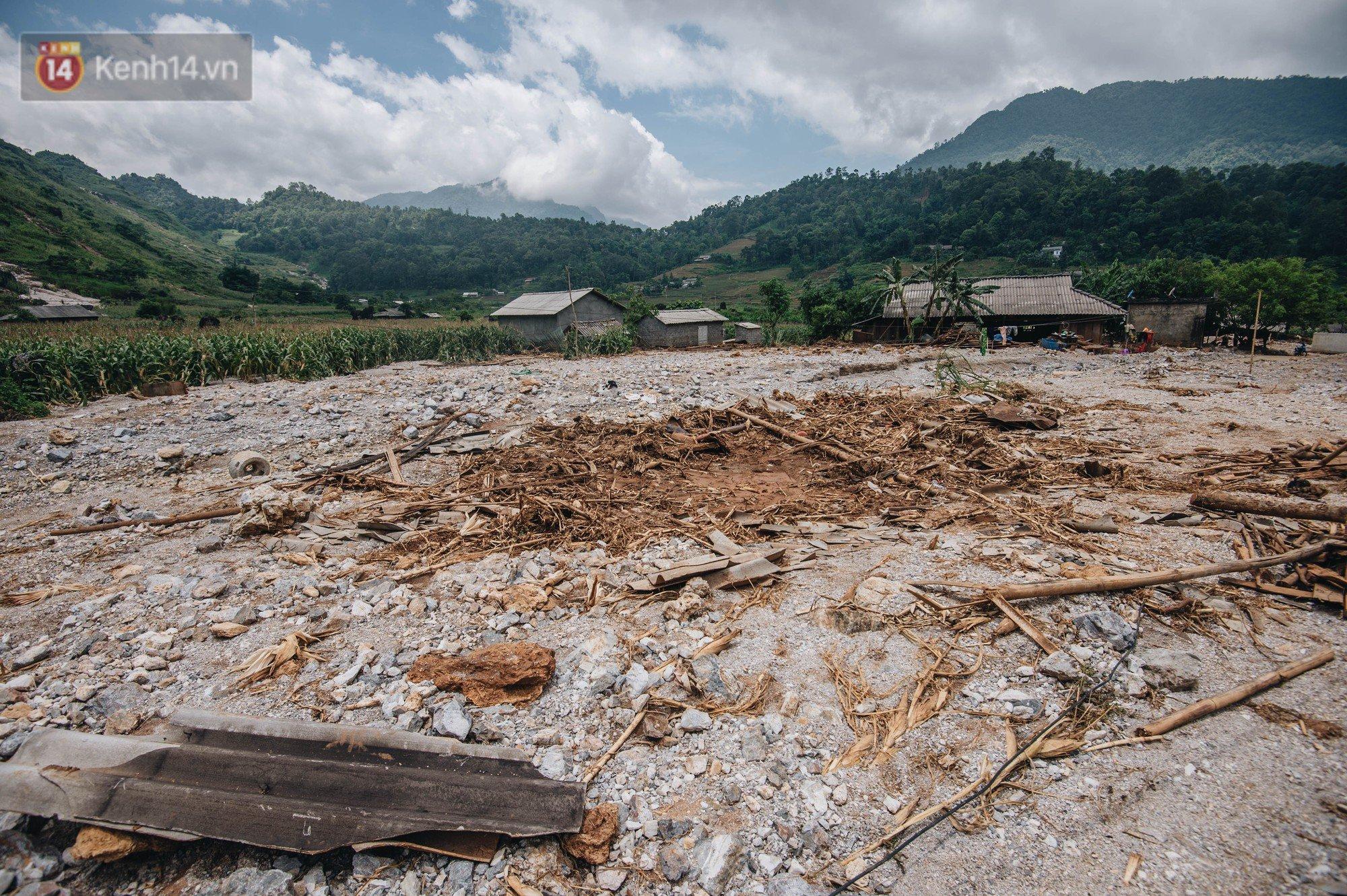 Trận lũ đau thương ở Hà Giang trong vòng 10 năm qua: 'Giờ đâu còn nhà nữa, mất hết, lũ cuốn trôi hết rồi...' 10