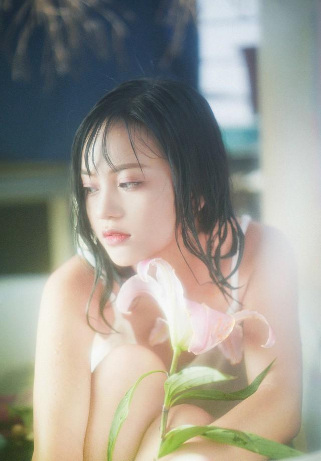 Chỉ với một khoảnh khắc, cô gái Hà Nội đã khiến bao người ngẩn ngơ vì quá giống Triệu Vy 9