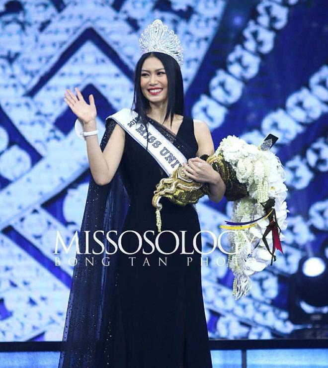 Nhan sắc Tân Hoa hậu Hoàn vũ Thái Lan gây tranh cãi: Người khen ngợi, kẻ chê bai 10