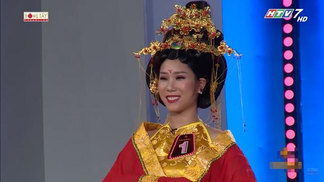 Khách mời có màn diễn 'rùng rợn', Hoàng Yến Chibi sợ hãy bỏ chạy khỏi ghế 2
