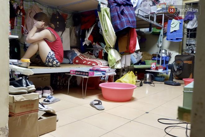 Nhà trọ biến thành lò lửa 40 độ C, sinh viên Hà Nội 'tập kết' toàn bộ quạt trong phòng để tạo gió cũng không ăn thua 14