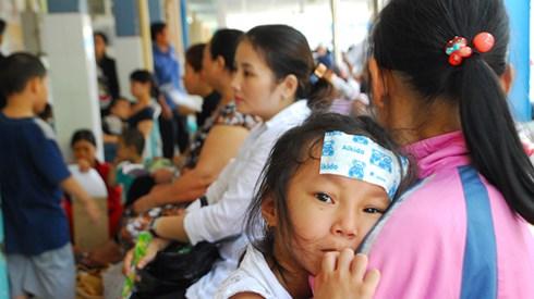 Nắng nóng đỉnh điểm, trẻ nhập viện ồ ạt vì bệnh hô hấp 3