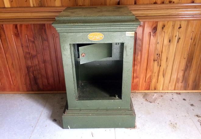 Phát hiện hầm bí mật, lịch nhắc chơi với con trong nhà của trùm ma túy ở Lóng Luông 5