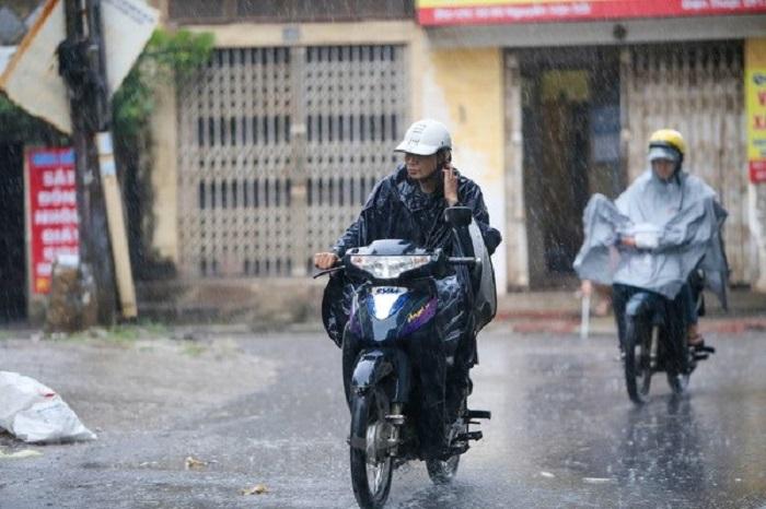Dự báo thời tiết đêm nay 4/7: Nhiều khu vực trong cả nước có mưa và dông 1