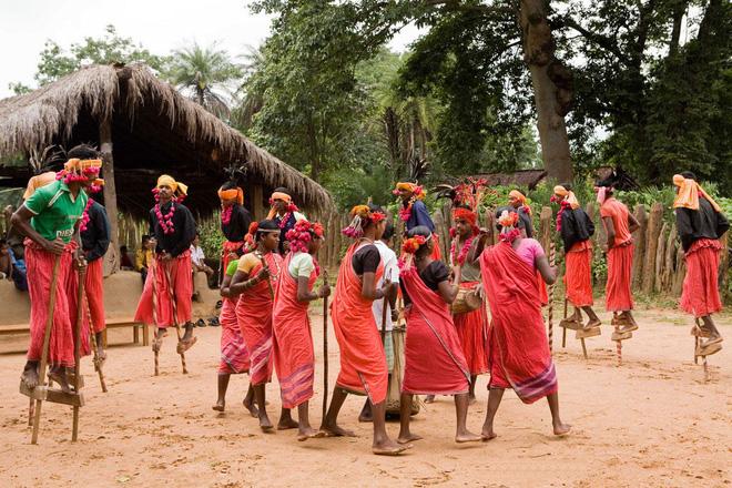 Bộ lạc bí ẩn: Nam nữ