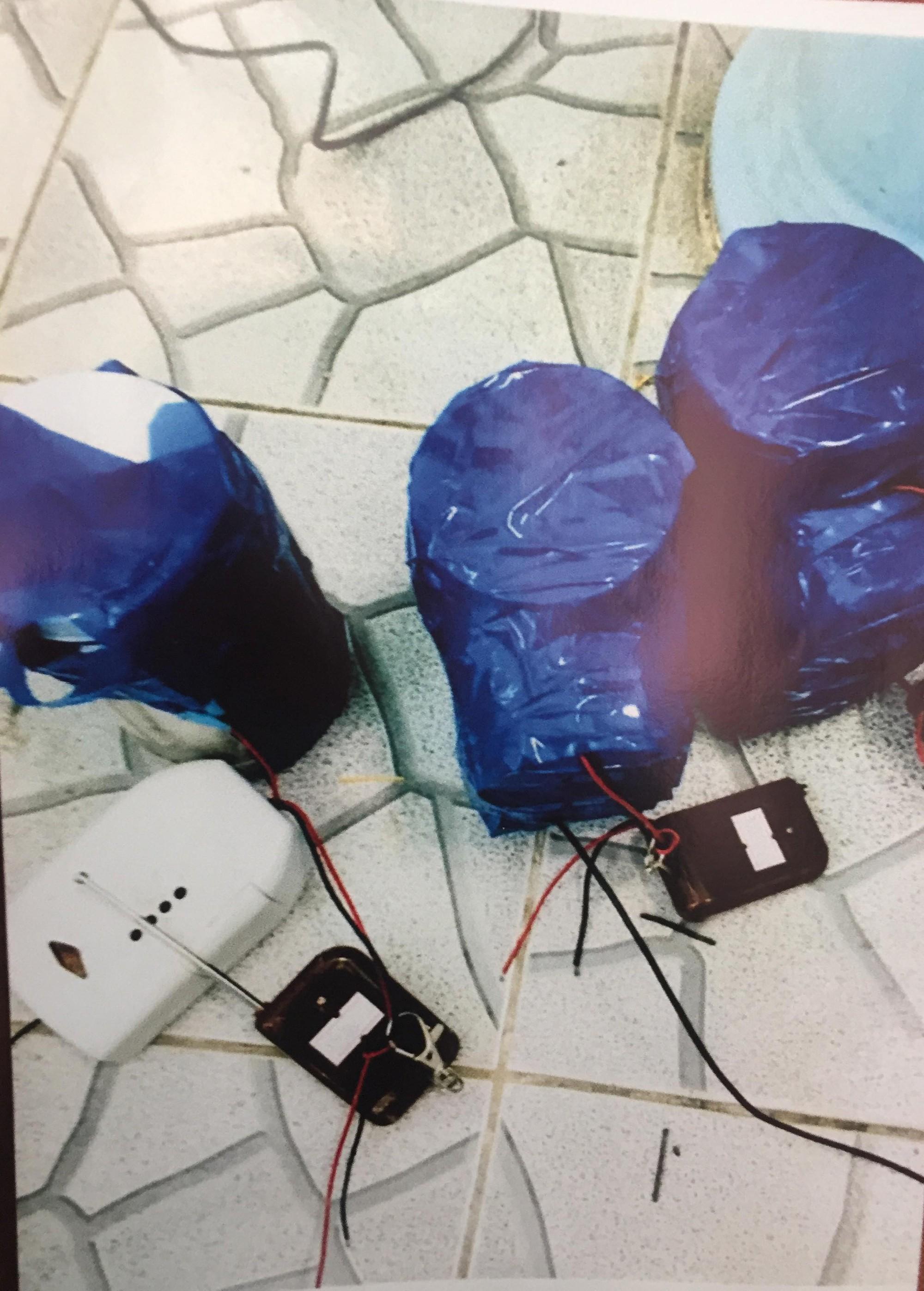 [ẢNH] 10kg thuốc nổ trong nhà của kẻ ném bom vào trụ sở công an phường 12