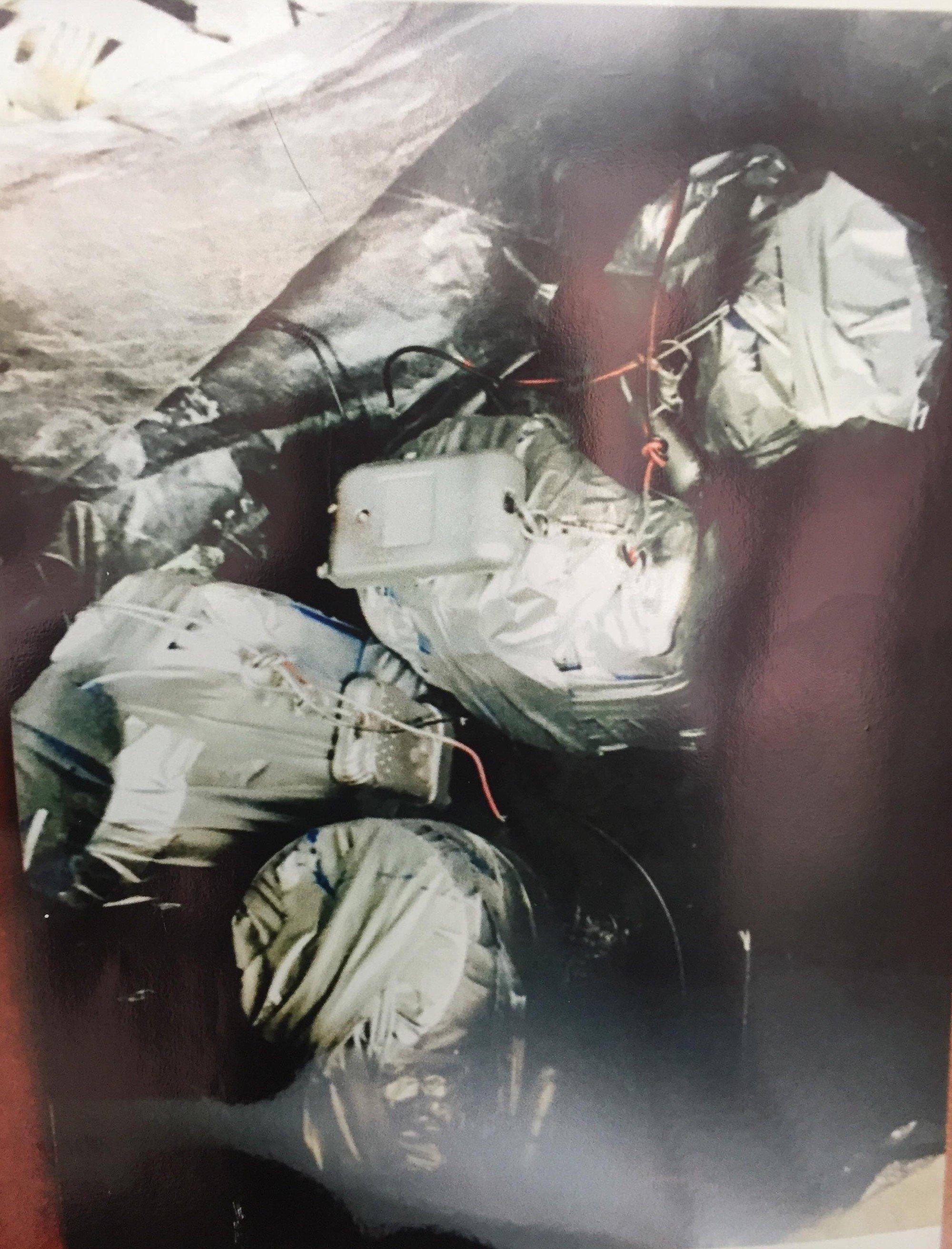 [ẢNH] 10kg thuốc nổ trong nhà của kẻ ném bom vào trụ sở công an phường 14
