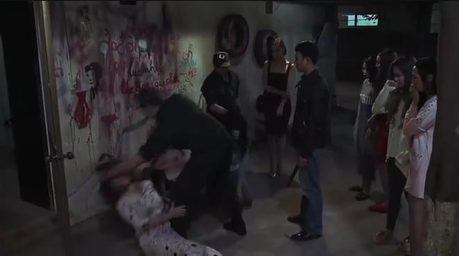 Bạo lực, cảnh nóng và tình dục trong Quỳnh búp bê: Người thích thú, kẻ lên án kịch liệt - Ảnh 2.