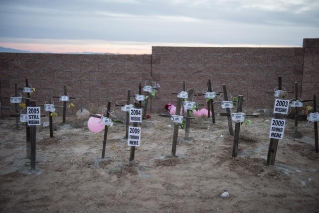 Vụ thảm sát bí ẩn West Mesa: Nhiều mẩu xương được phát hiện gần khu mộ của 11 phụ nữ bị sát hại, cảnh sát nghi ngờ còn nhiều nạn nhân khác chưa được tìm thấy 2