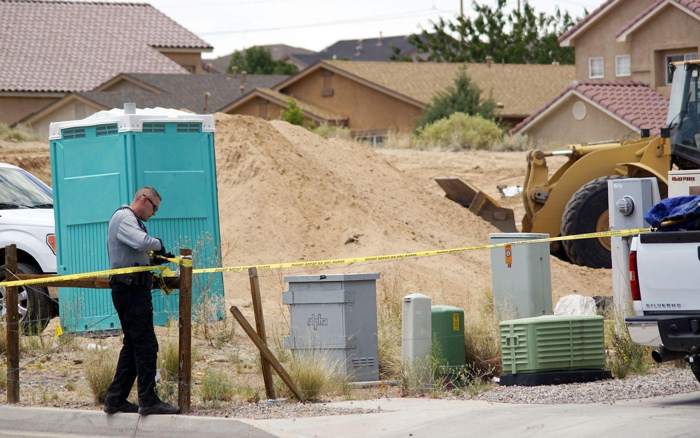 Vụ thảm sát bí ẩn West Mesa: Nhiều mẩu xương được phát hiện gần khu mộ của 11 phụ nữ bị sát hại, cảnh sát nghi ngờ còn nhiều nạn nhân khác chưa được tìm thấy 5