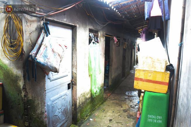Xóm trọ nghèo không quạt, không điều hòa ở Hà Nội: Ban ngày đi khỏi nhà, ban đêm phải đổ nước lên giường mới ngủ được 8
