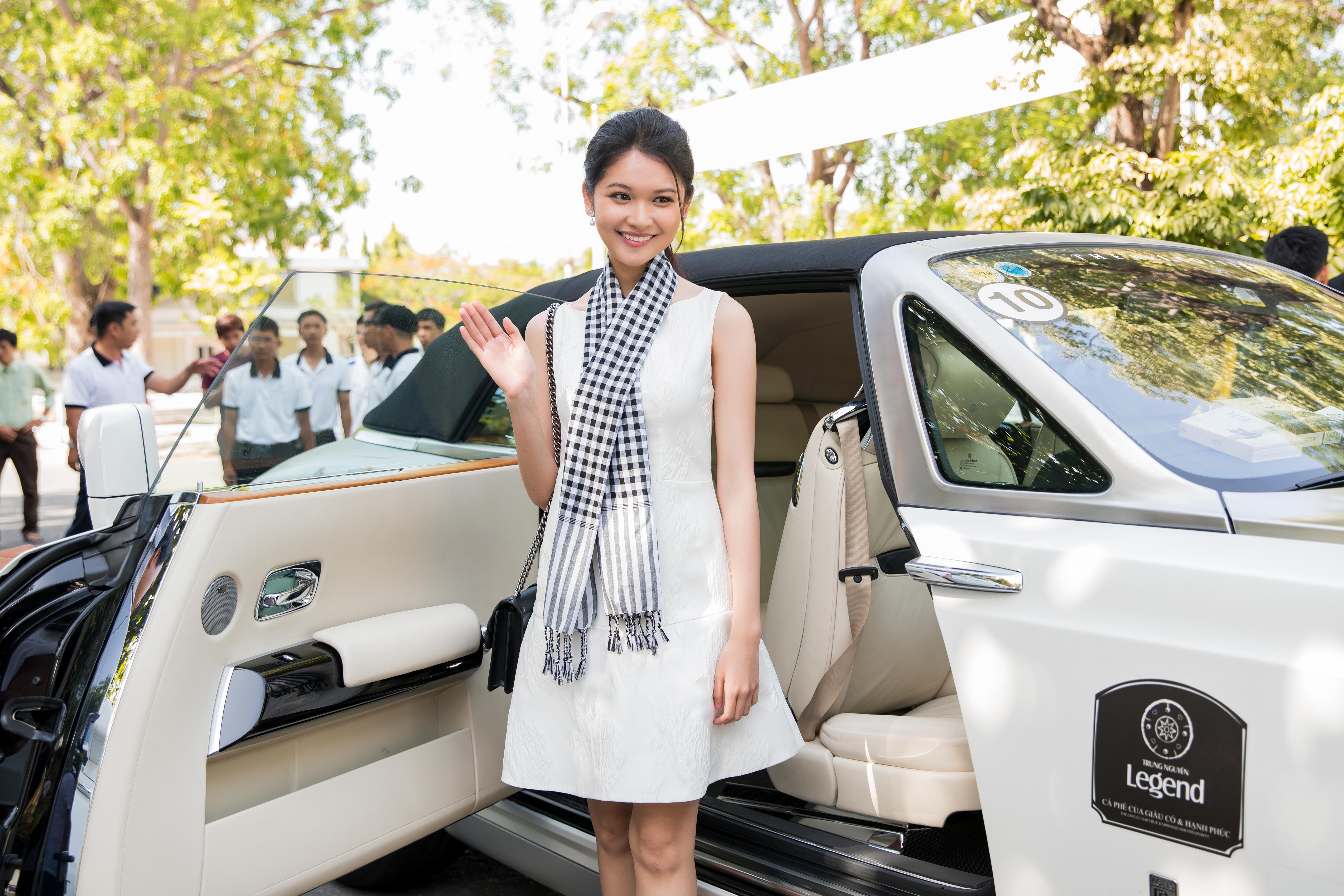 Siêu xe Bugatti Veyron 40 tỷ của đại gia Đặng Lê Nguyên Vũ xuất hiện tại Đà Nẵng 1