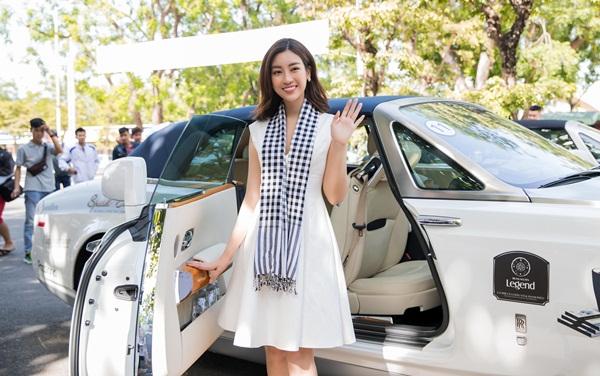 Siêu xe Bugatti Veyron 40 tỷ của đại gia Đặng Lê Nguyên Vũ xuất hiện tại Đà Nẵng 2