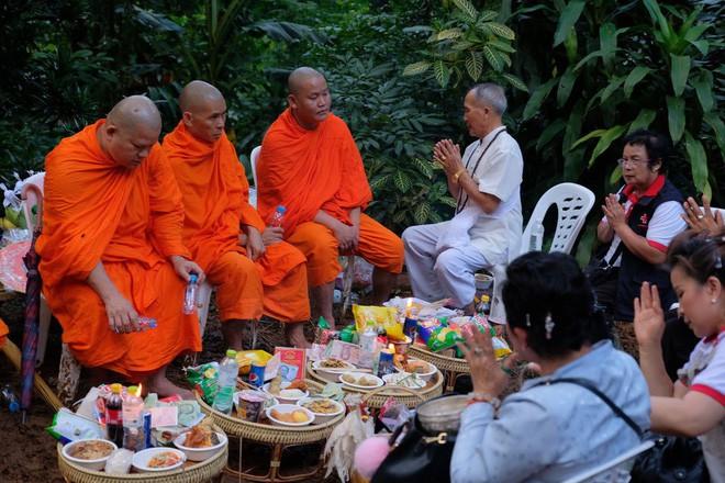 Các hình ảnh cho thấy quy mô và độ phức tạp của nỗ lực giải cứu các cậu bé Thái Lan bị mắc kẹt 11