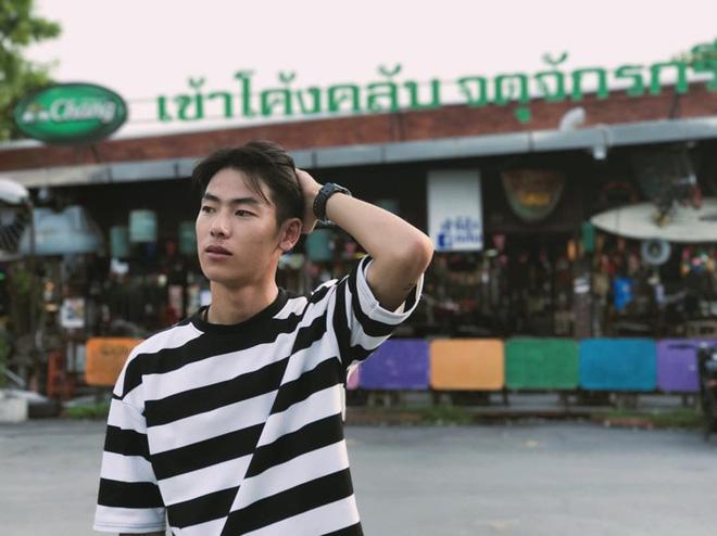 Chân dung chàng phiên dịch viên bất ngờ nổi tiếng trong vụ giải cứu đội bóng Thái Lan mất tích 8
