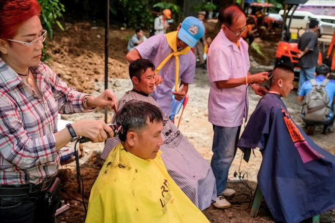 Các hình ảnh cho thấy quy mô và độ phức tạp của nỗ lực giải cứu các cậu bé Thái Lan bị mắc kẹt 8