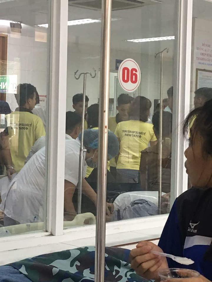 Hà Nội: Cả trăm học viên đau bụng nhập viện sau bữa ăn nghi ngộ độc 3