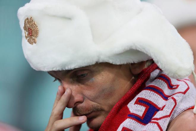 Khán giả Nga trải qua mọi cung bậc cảm xúc để rồi đau khổ nhìn đội nhà bị loại 12