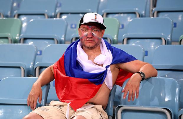 Khán giả Nga trải qua mọi cung bậc cảm xúc để rồi đau khổ nhìn đội nhà bị loại 14