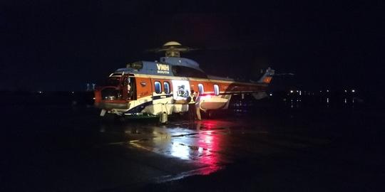 Trực thăng đưa ngư dân bị thương nặng trên biển vào bờ cấp cứu 1
