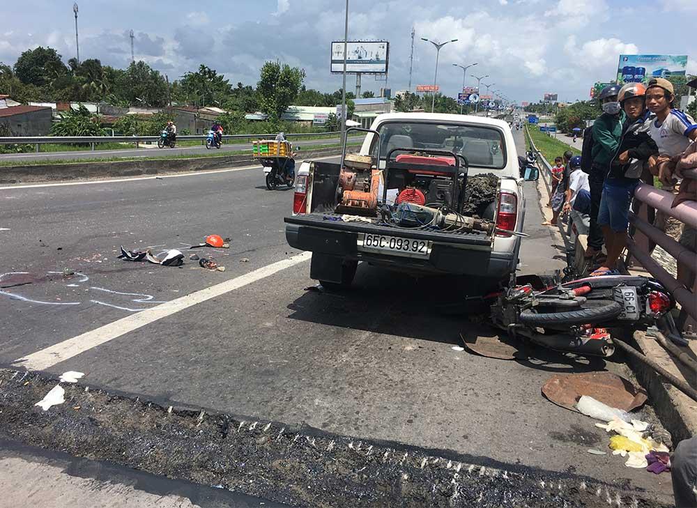 Hình ảnh Chạy xe máy về quê, hai mẹ con bị xe tải tông chết thảm, tài xế bỏ chạy khỏi hiện trường số 3