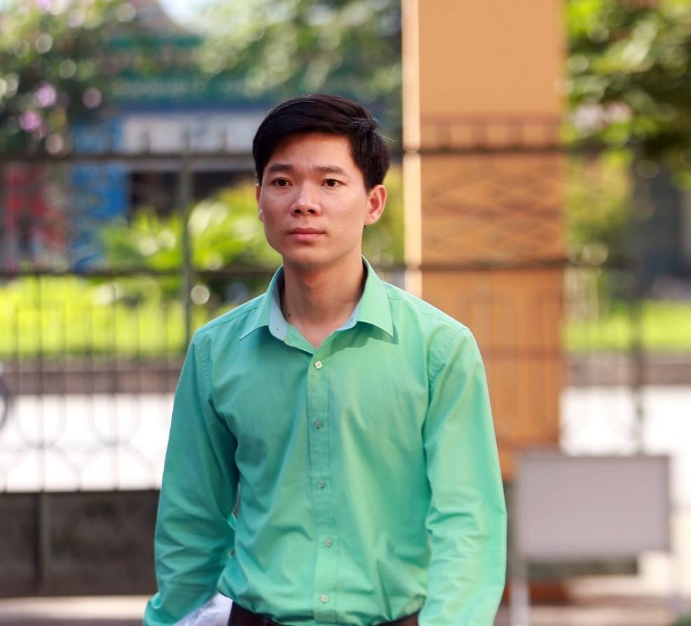 Vì sao bác sĩ Hoàng Công Lương có hai lệnh cấm đi khỏi nơi cư trú? 2