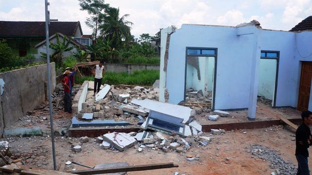 Sửa nhà sập tường, 2 người tử vong, 1 người bị thương nặng 1