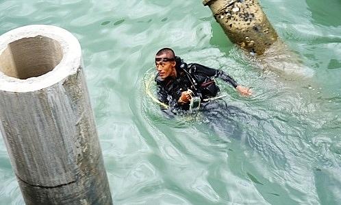 Bắt đầu khai quật tàu cổ chìm ở biển Dung Quất 2