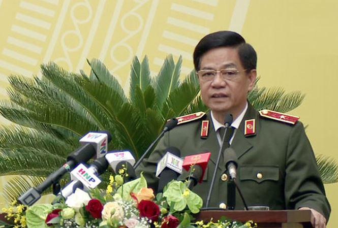 Giám đốc Công an TP Hà Nội: Áo chống nóng mua cỡ của người nước ngoài, mặc áo rộng lùng thùng 1