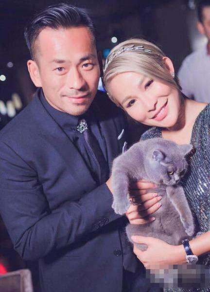 Chi gần 8 ngàn tỷ ly hôn vợ để đến với bồ nhí, tỷ phú Hồng Kông vẫn tranh thủ cặp kè thêm mẫu nữ Nhật Bản nóng bỏng 2