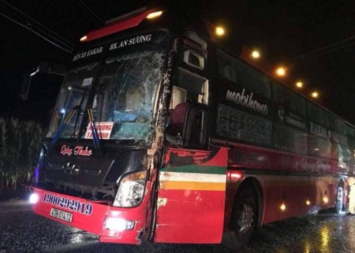 Hình ảnh Hai xe giường nằm tông nhau, hơn 60 hành khách hoảng loạn kêu cứu số 3