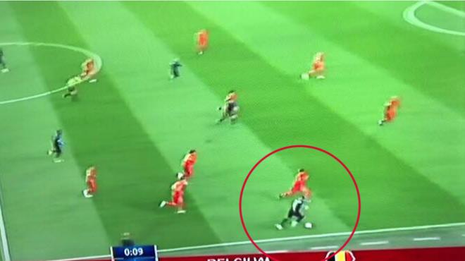 Mbappe chuyền bóng siêu hạng khiến Rio Ferdinand hét lên kinh ngạc 5