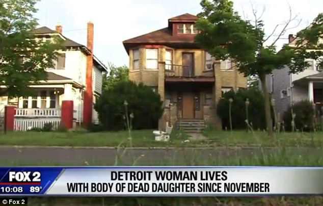 Người mẹ sống cùng nhà với thi thể con gái suốt 8 tháng - Ảnh 1.