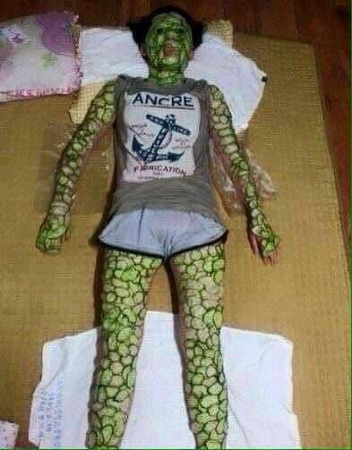 Vừa bước vào nhà, chồng chết lặng khi nhìn thấy bóng hình trên giường - Ảnh 3.