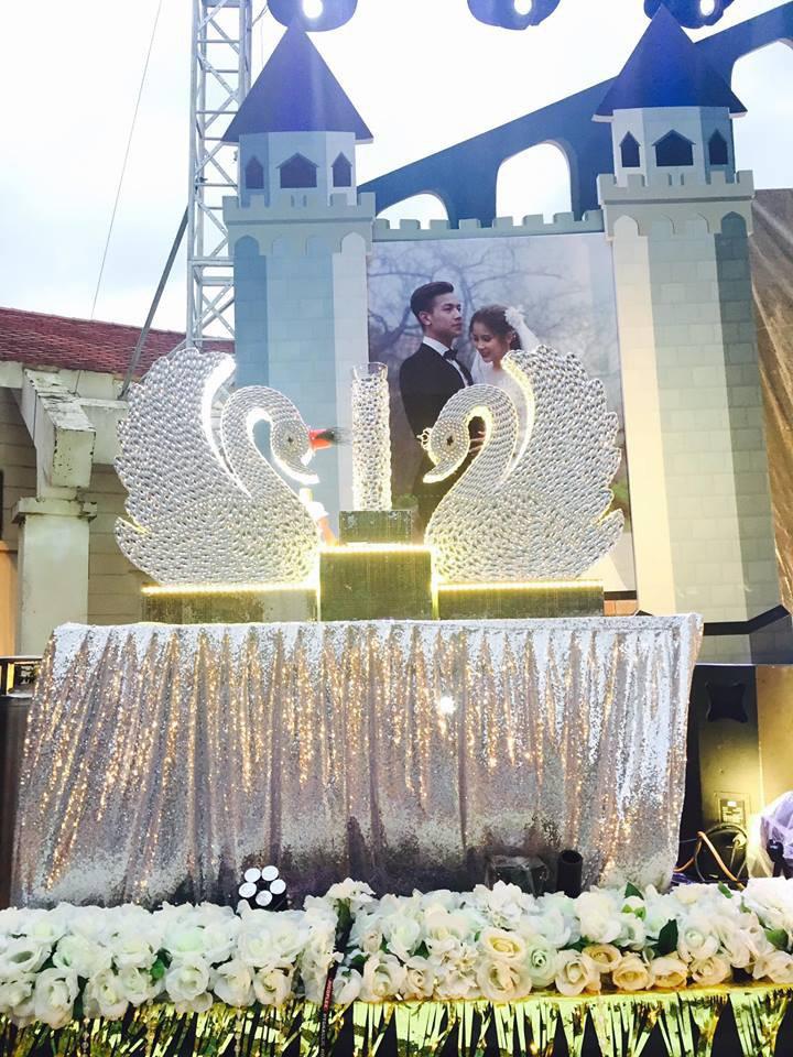 Lễ báo hỉ hoành tráng mời 1.000 khách, nguyên dàn motor đưa dâu, riêng trang trí đã hết 200 triệu ở Buôn Mê Thuột - Ảnh 11.