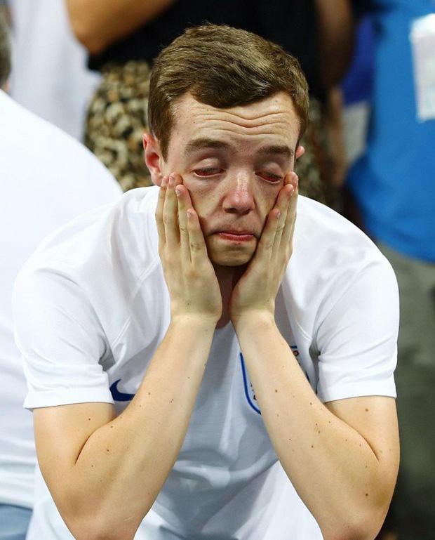 CĐV mắt đẫm lệ, Beckham thẫn thờ nhìn tuyển Anh lỡ hẹn chung kết World Cup - Ảnh 12.