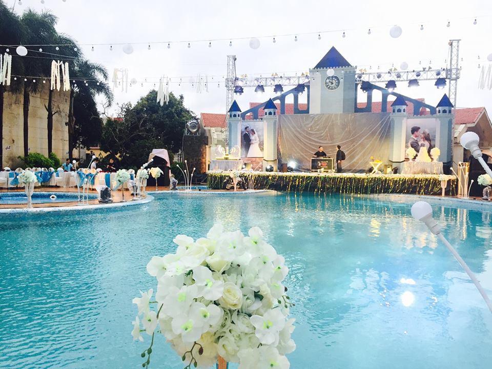 Lễ báo hỉ hoành tráng mời 1.000 khách, nguyên dàn motor đưa dâu, riêng trang trí đã hết 200 triệu ở Buôn Mê Thuột 13