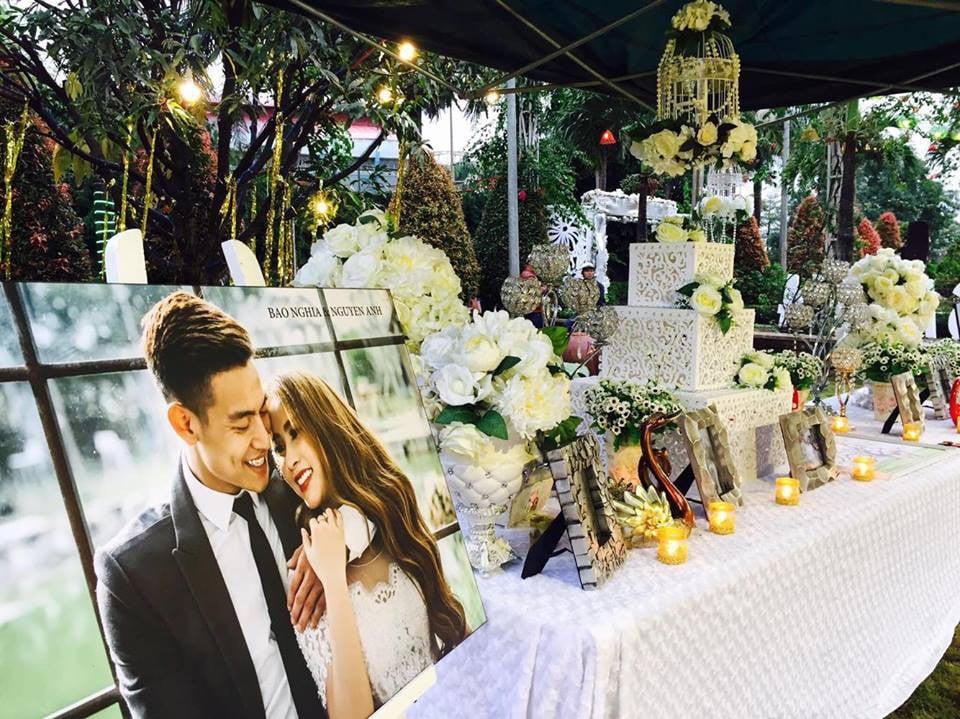 Lễ báo hỉ hoành tráng mời 1.000 khách, nguyên dàn motor đưa dâu, riêng trang trí đã hết 200 triệu ở Buôn Mê Thuột - Ảnh 3.