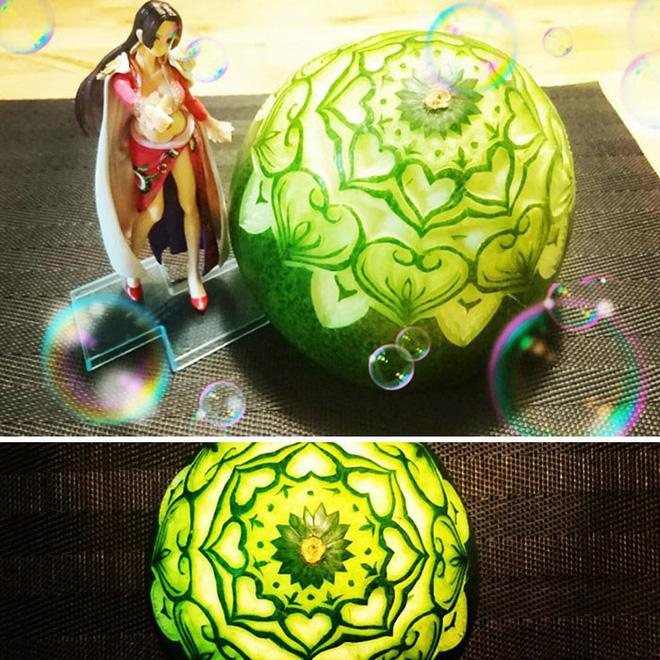 Chùm ảnh: Đỉnh cao của nghệ thuật cắt tỉa hoa quả là đây chứ đâu, dưa hấu, táo, lê bỗng chốc biến thành đèn lồng đẹp mê mẩn - Ảnh 24.
