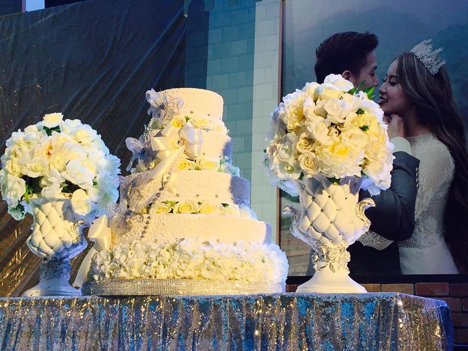 Lễ báo hỉ hoành tráng mời 1.000 khách, nguyên dàn motor đưa dâu, riêng trang trí đã hết 200 triệu ở Buôn Mê Thuột 4