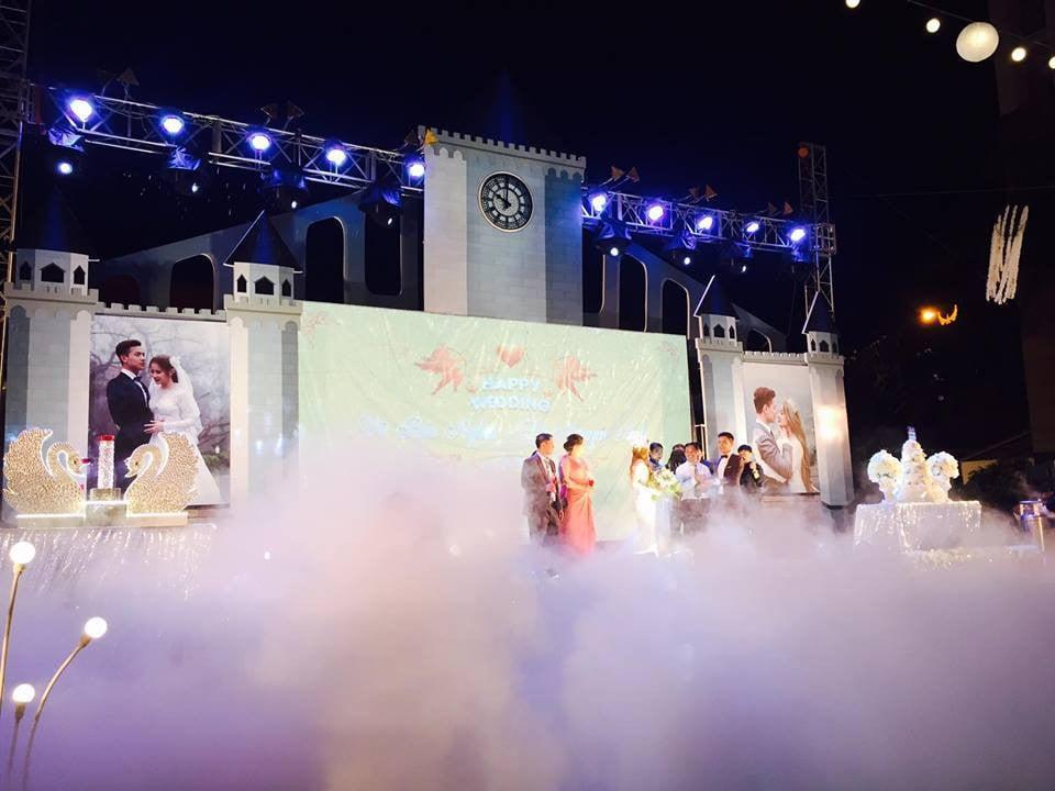 Lễ báo hỉ hoành tráng mời 1.000 khách, nguyên dàn motor đưa dâu, riêng trang trí đã hết 200 triệu ở Buôn Mê Thuột 6