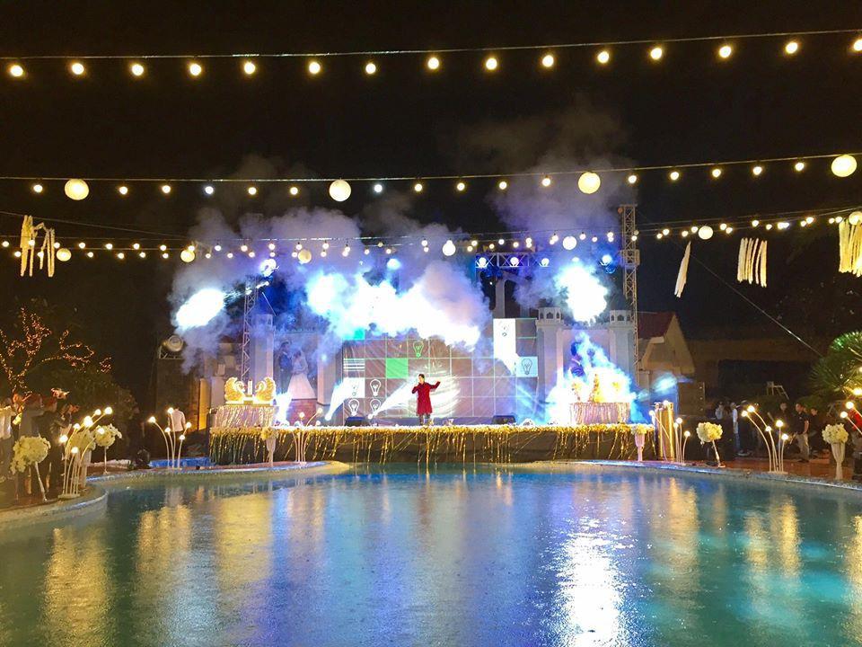 Lễ báo hỉ hoành tráng mời 1.000 khách, nguyên dàn motor đưa dâu, riêng trang trí đã hết 200 triệu ở Buôn Mê Thuột 9