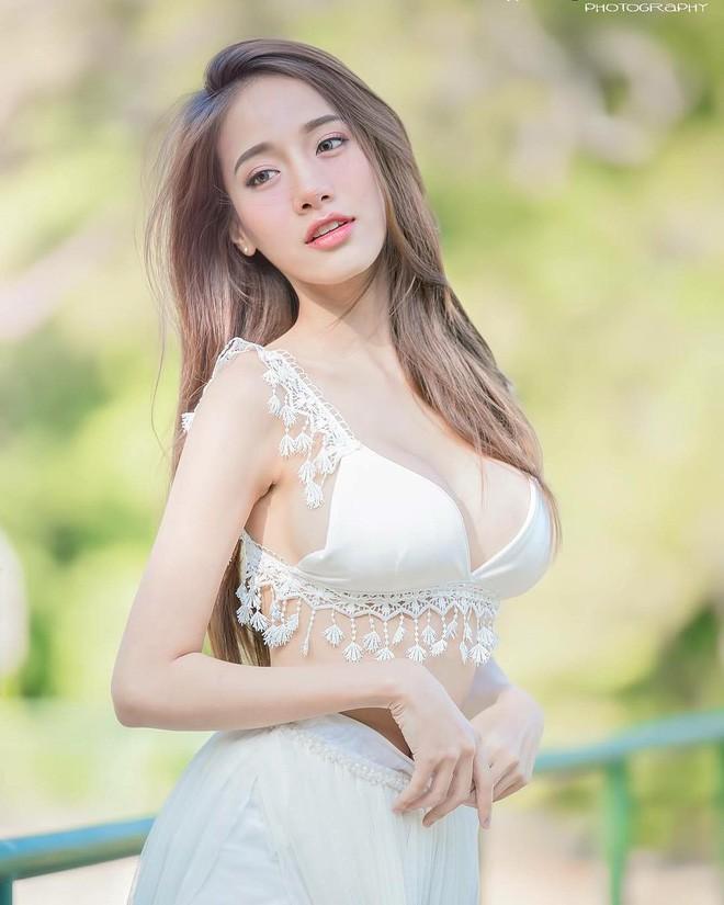 Mỹ nhân Thái khiến cộng đồng mạng đứng hình vì khuôn mặt thiên thần và thân hình nóng bỏng - Ảnh 5.