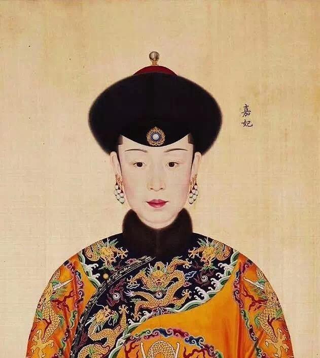 12 bức tranh vẽ phi tần được vua Càn Long coi trọng, cất giấu như báu vật, ai lén xem sẽ bị xử tử - Ảnh 5.