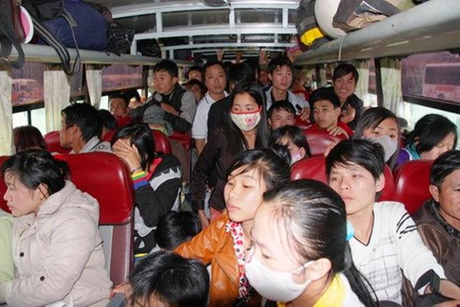Hình ảnh Chuyến xe đầy rác do hành khách vứt lại gây tranh cãi: Khách thiếu ý thức có phải do nhà xe nhồi nhét quá nhiều người? số 6